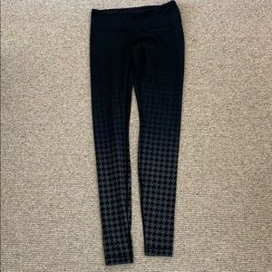 Lululemon houndstooth leggings nulu